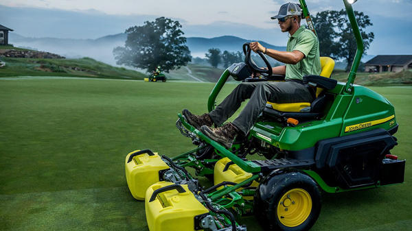 John Deere 2700 and 2750 PrecisionCut™ and E-Cut™ Hybrid Triplex Mowers Receive AE50 Award Honor